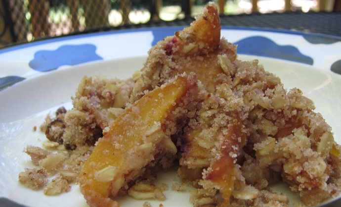 Medium peach pistachio crumble